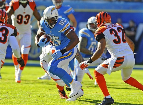 Dec 1, 2013; San Diego, CA, USA; San Diego Chargers tight end Antonio Gates (85) runs after a reception during the first half against the Cincinnati Bengals at Qualcomm Stadium. Mandatory Credit: Christopher Hanewinckel-USA TODAY Sports