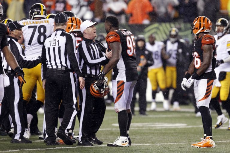 Wallace-gilberry-john-parry-nfl-afc-wild-card-pittsburgh-steelers-cincinnati-bengals-768x0