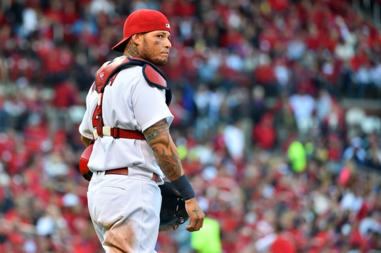 Yadier-molina-mlb-milwaukee-brewers-st.-louis-cardinals-768x511
