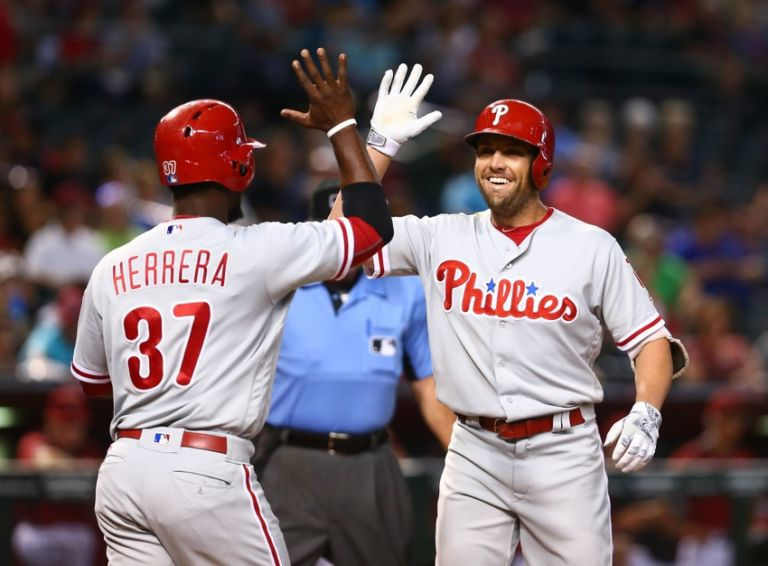 Odubel-herrera-peter-bourjos-mlb-philadelphia-phillies-arizona-diamondbacks-768x566