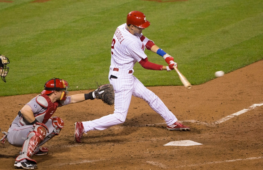 9293349-tucker-barnhart-mlb-cincinnati-reds-philadelphia-phillies