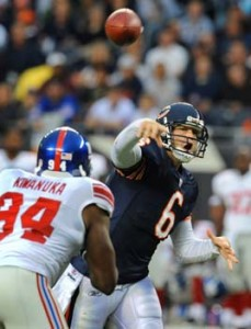 Cutler carves up the Giants D