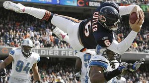 Cutler dives in for TD