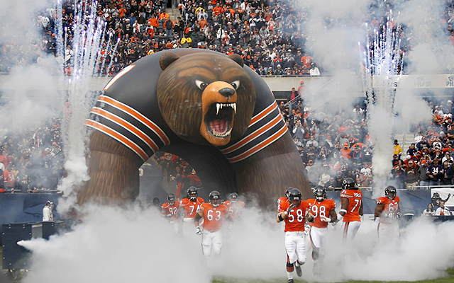2458-bears_tunnel_Chris_Sweda__Tribune