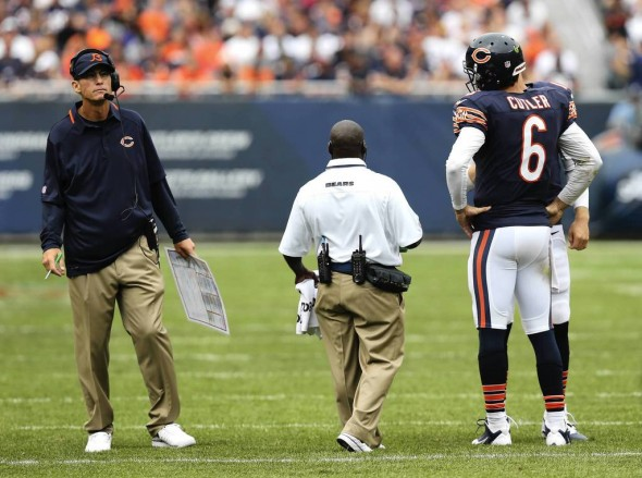 Jay Cutler and Marc Trestman during a time out. (Photo courtesy of Chicago Tribune)