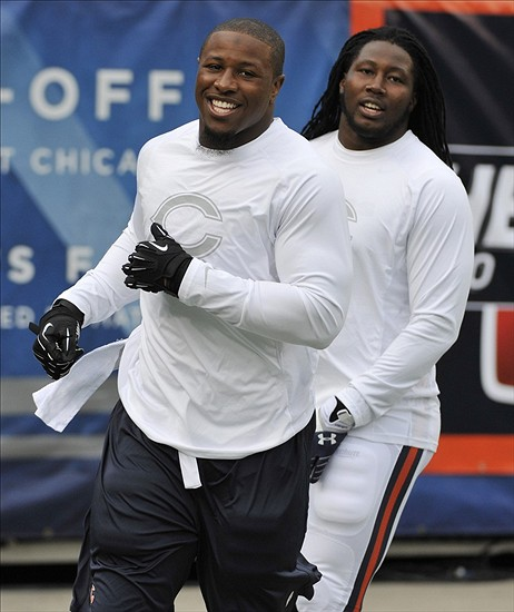 Chicago Bears linebacker Khaseem Greene (right) and inside linebacker Jon Bostic. Mandatory Credit: David Banks-USA TODAY Sports