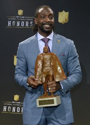 Feb 1, 2014; New York, NY, USA; Chicago Bears defensive back Charles Tillman receives the Walter Payton NFL Man of the Year award at the 3rd NFL Honors at Radio City Music Hall. Mandatory Credit: Kirby Lee-USA TODAY Sports