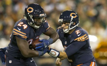 0906e48825c Oct 20, 2016; Green Bay, WI, USA; Chicago Bears quarterback Brian Hoyer (2)  hands the football off to running back Jordan Howard (24) during the first  ...