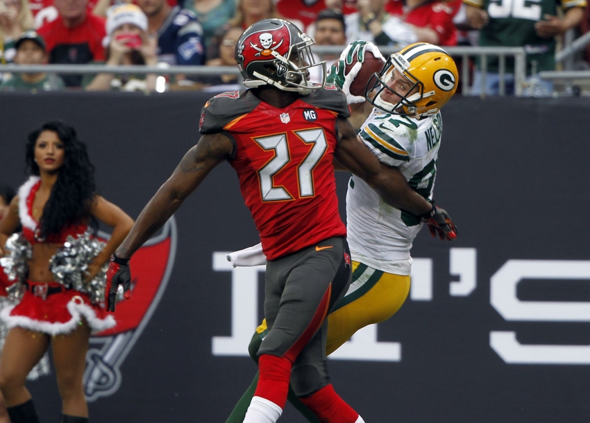 8284084-jordy-nelson-johnthan-banks-nfl-green-bay-packers-tampa-bay-buccaneers