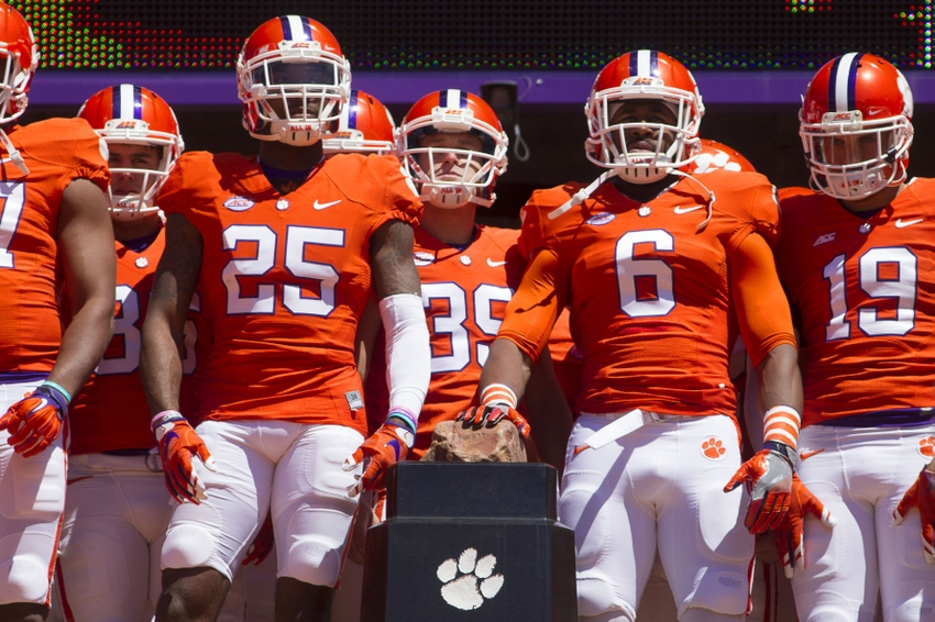 9239952-ncaa-football-clemson-spring-game