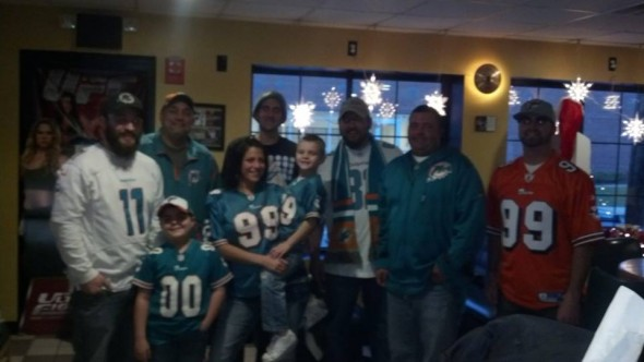 December 8, 2013 - PhinPhanatic.com Staff Writer Paul Picken, Jr attends a DolFan meetup in Warwick, RI. Pictured with group founder Dave Fazzina, the Parent Family, Ron Mosca and other DolFans at Bonehead's Wing Bar