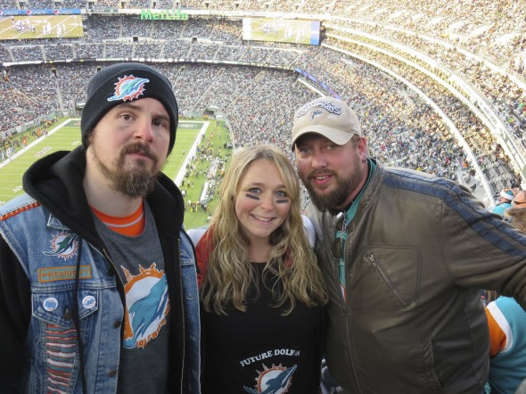 "MetLife Takeover and DolFans NYC Co-Founders Nate ""Igor"" Smith and Michelle Stark Kramers with PhinPhanatic writer Paul Picken, Jr"