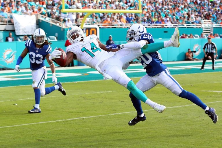 Jarvis-landry-darius-butler-nfl-indianapolis-colts-miami-dolphins-768x0