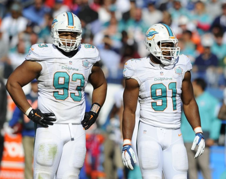 Cameron-wake-ndamukong-suh-nfl-miami-dolphins-tennessee-titans-768x609
