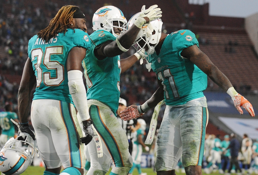 9694680-devante-parker-walt-aikens-michael-thomas-nfl-miami-dolphins-los-angeles-rams