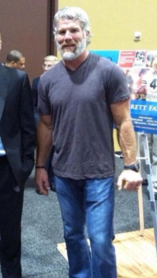 brett favre ripped arms biceps