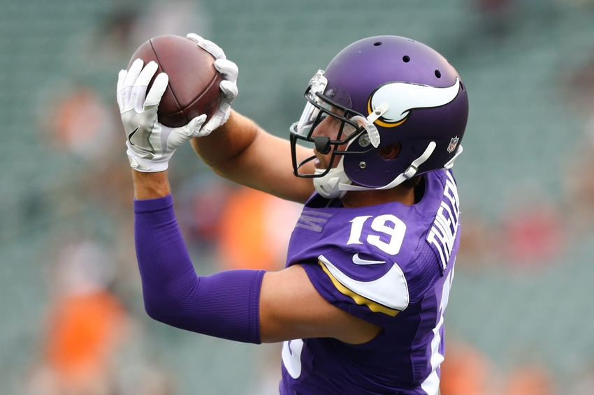 Green Bay Packers Wallpaper >> Vikings WR Adam Thielen gets 71 yard touchdown vs Packers in week 16