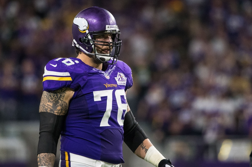 9555517-alex-boone-nfl-green-bay-packers-minnesota-vikings