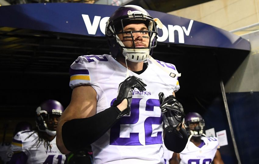 vikings sign free safety