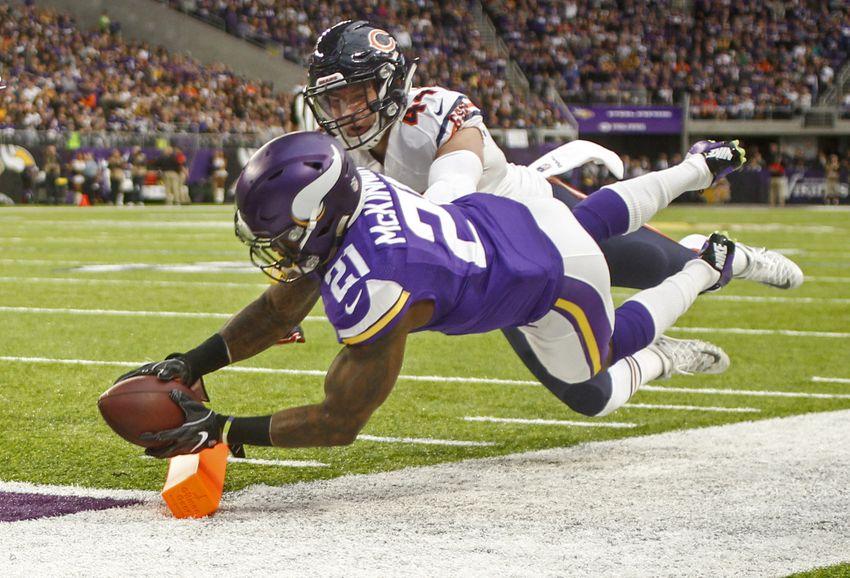 Minnesota Vikings lead Chicago Bears at the half, 24-10