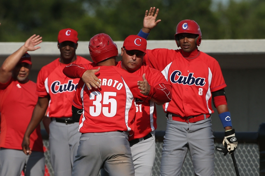 8699610-yorbis-borroto-pan-am-games-baseball-cuba-vs-nicaragua