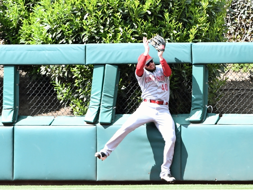 9295941-tyler-holt-mlb-cincinnati-reds-philadelphia-phillies