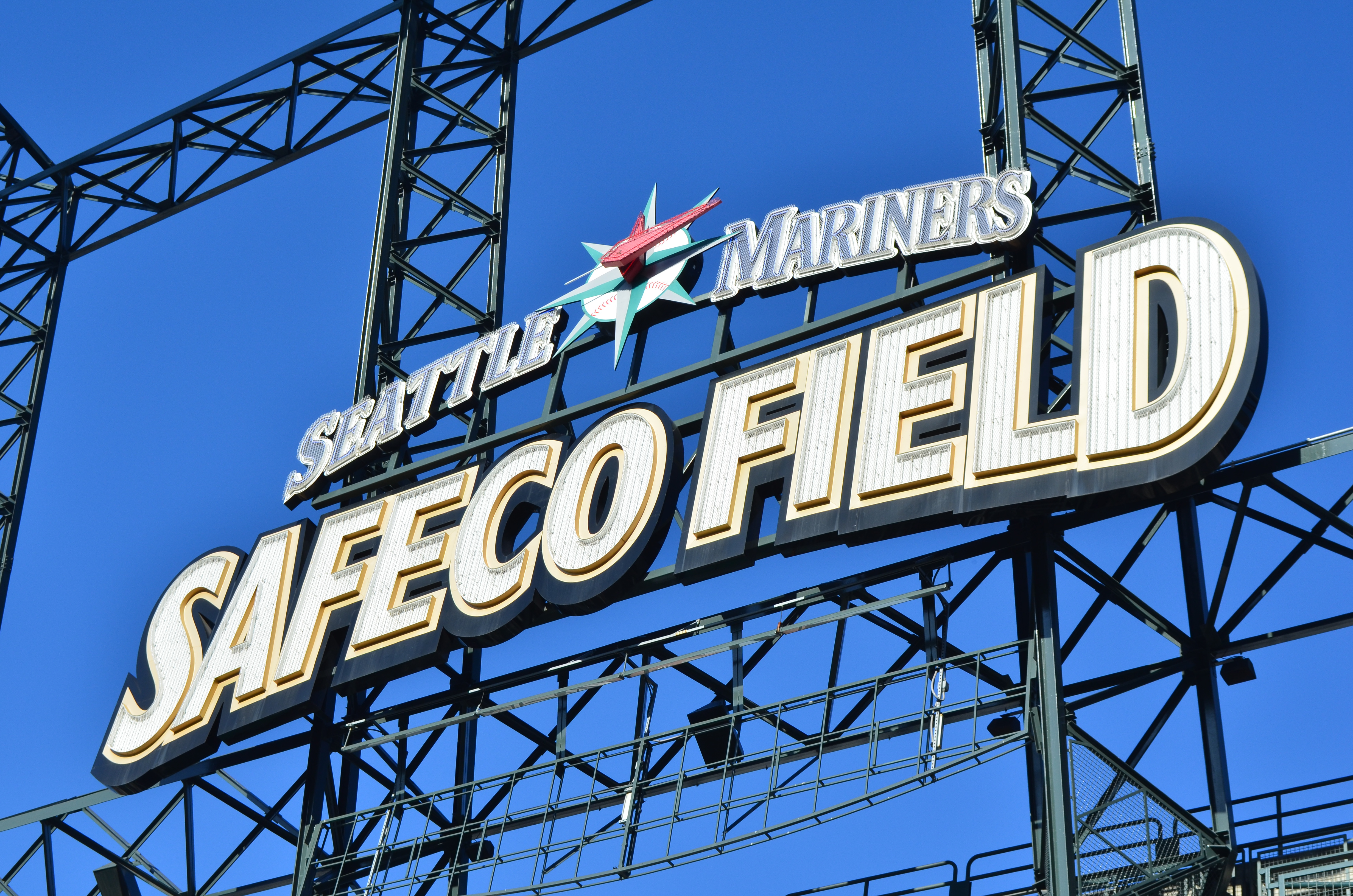 mariners tickets info fanfest