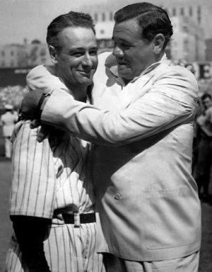 Babe_Ruth_hugging_Lou_Gehrig_(1939)