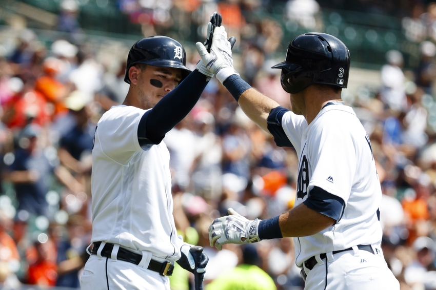 9421054-ian-kinsler-jose-iglesias-mlb-chicago-white-sox-detroit-tigers