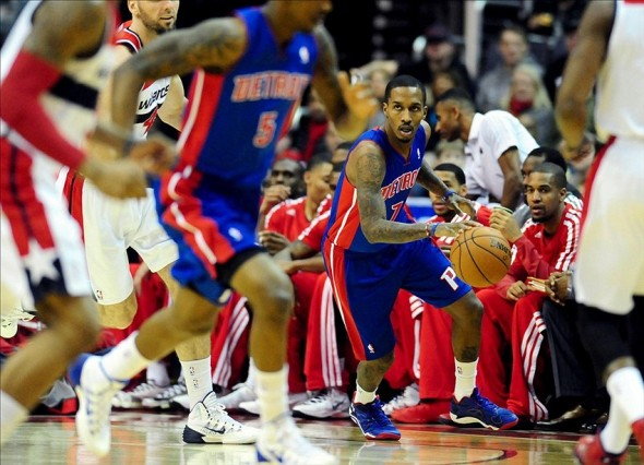 Jan 18, 2014; Washington, DC, USA; Detroit Pistons guard Brandon Jennings (7) dribbles the ball during the game against the Washington Wizards at Verizon Center. Mandatory Credit: Evan Habeeb-USA TODAY Sports