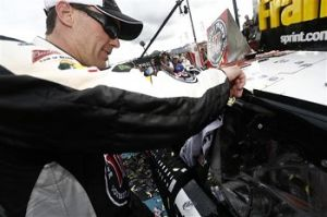phoenix_harvick_winnersticker_030214[1]