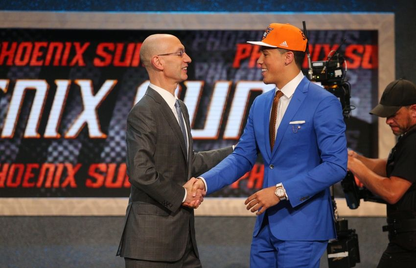 Devin-booker-adam-silver-nba-nba-draft-2015-850x547