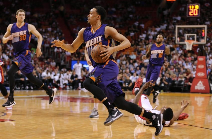 Phoenix Suns 2016-17 Team Options: Who should they keep?