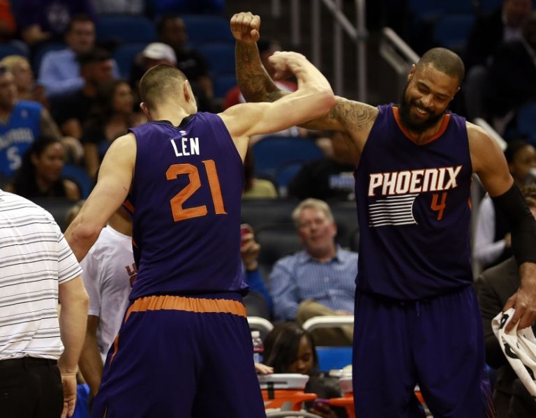 Alex-len-tyson-chandler-nba-phoenix-suns-orlando-magic-768x599