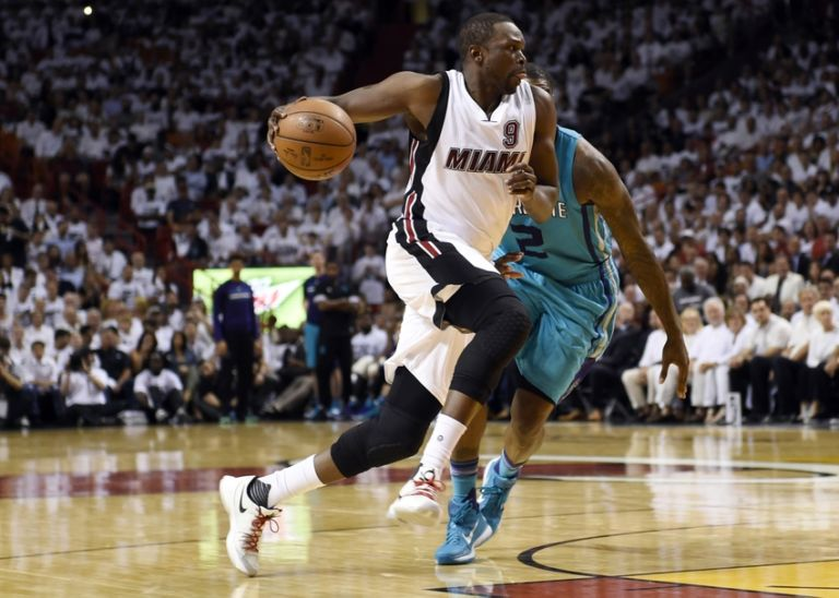 Marvin-williams-luol-deng-nba-playoffs-charlotte-hornets-miami-heat-768x548
