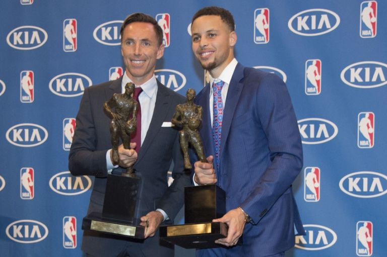 Steve-nash-stephen-curry-nba-stephen-curry-mvp-press-conference-768x511