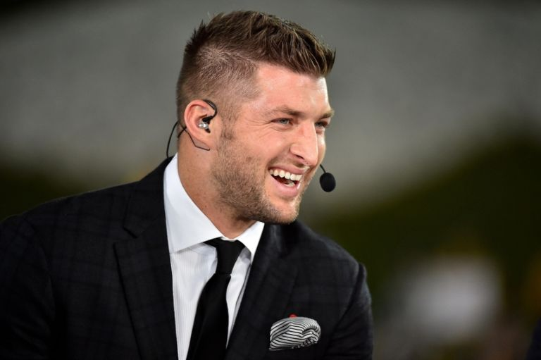 8905182-tim-tebow-ncaa-football-mississippi-state-missouri-768x511
