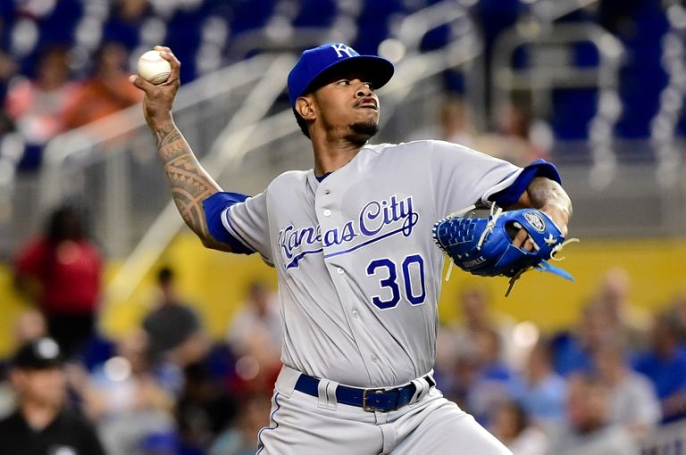 9498041-yordano-ventura-mlb-kansas-city-royals-miami-marlins-768x510