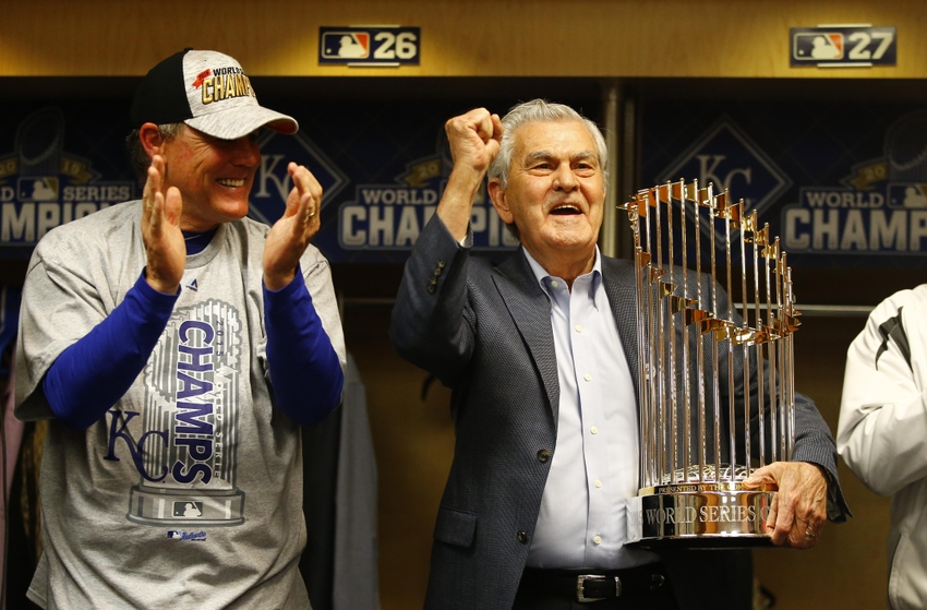 8899556-david-glass-ned-yost-mlb-world-series-kansas-city-royals-new-york-mets