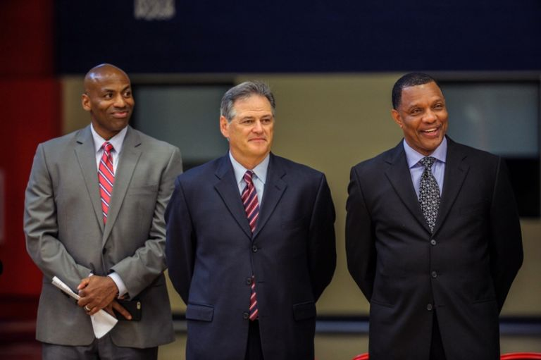 Mickey-loomis-dell-demps-alvin-gentry-nba-new-orleans-pelicans-press-conference-768x511