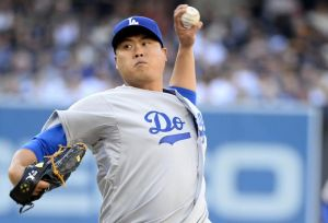 Hyun-jin Ryu goes for his second win against Arizona on Friday. Photo: Christopher Hanewinckel-USA TODAY Sports