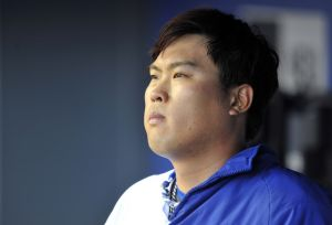 Nobody bothered Hyun-jin Ryu during his perfect seven innings on Monday. Photo: Gary A. Vasquez-USA TODAY Sports