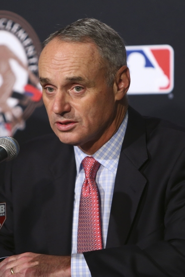 9638403-rob-manfred-roberto-clemente-award-mlb-world-series-cleveland-indians-chicago-cubs