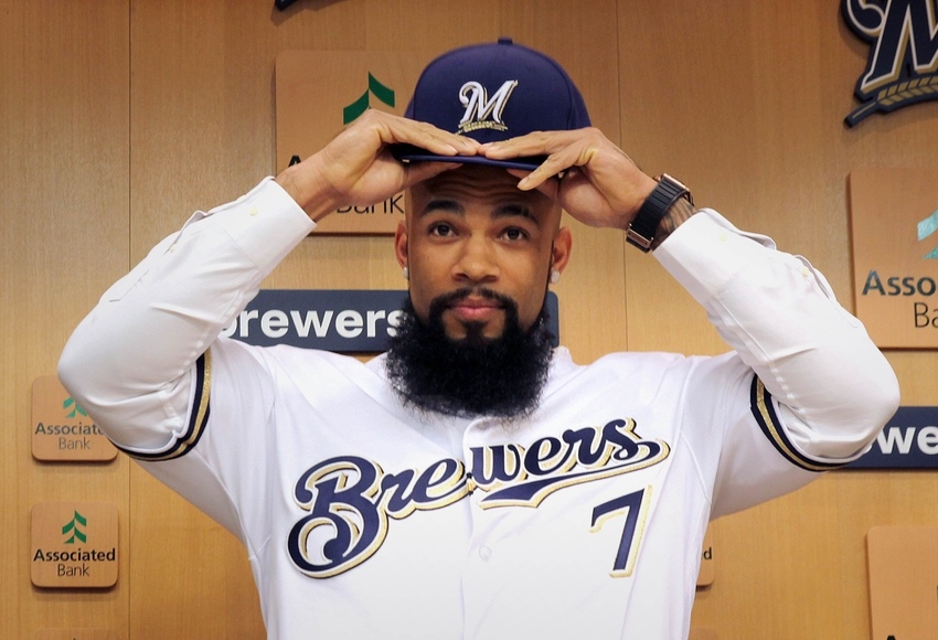 9711799-eric-thames-mlb-milwaukee-brewers-press-conference