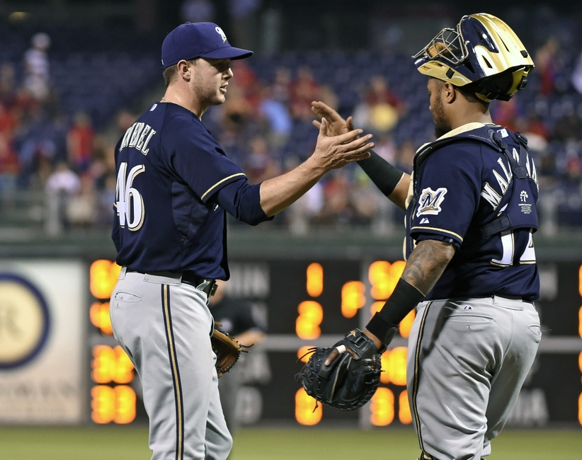 8676593-martin-maldonado-corey-knebel-mlb-milwaukee-brewers-philadelphia-phillies