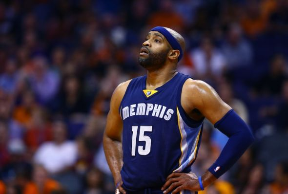 Nov 5, 2014; Phoenix, AZ, USA; Memphis Grizzlies guard Vince Carter (15) against the Phoenix Suns at US Airways Center. The Grizzlies defeated the Suns 102-91. Mandatory Credit: Mark J. Rebilas-USA TODAY Sports
