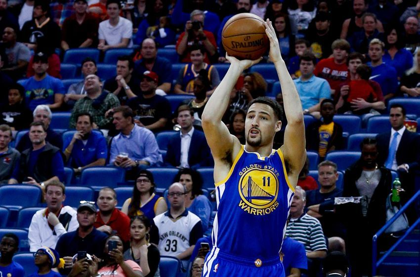 Dec 13, 2016; New Orleans, LA, USA; Golden State Warriors guard Klay Thompson (11) shoots against the New Orleans Pelicans during the first quarter of a game at the Smoothie King Center. Mandatory Credit: Derick E. Hingle-USA TODAY Sports