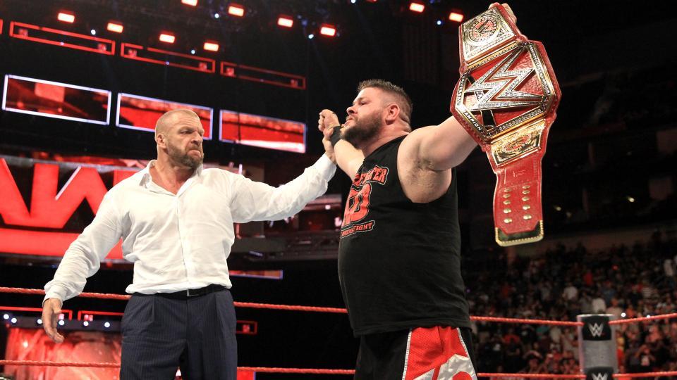 WWE Raw (August...