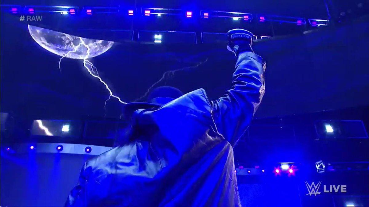 Undertaker Returns, Enters 2017 WWE Royal Rumble Match (Video)