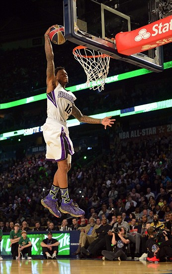 Feb 15, 2014; New Orleans, LA, USA; Sacramento Kings forward Ben McLemore (16) dunks during the 2014 NBA All Star dunk contest at Smoothie King Center. Mandatory Credit: Bob Donnan-USA TODAY Sports